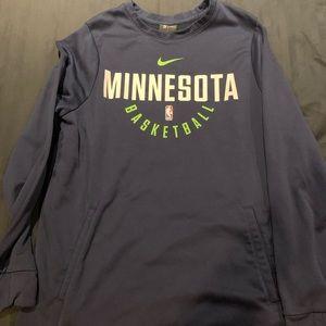 Minnesota Timberwolves crew neck sweatshirt size L